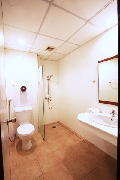 rsz superior bathroom2